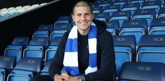 Dykes poses with QPR scarf at Loftus Road   Livingston news