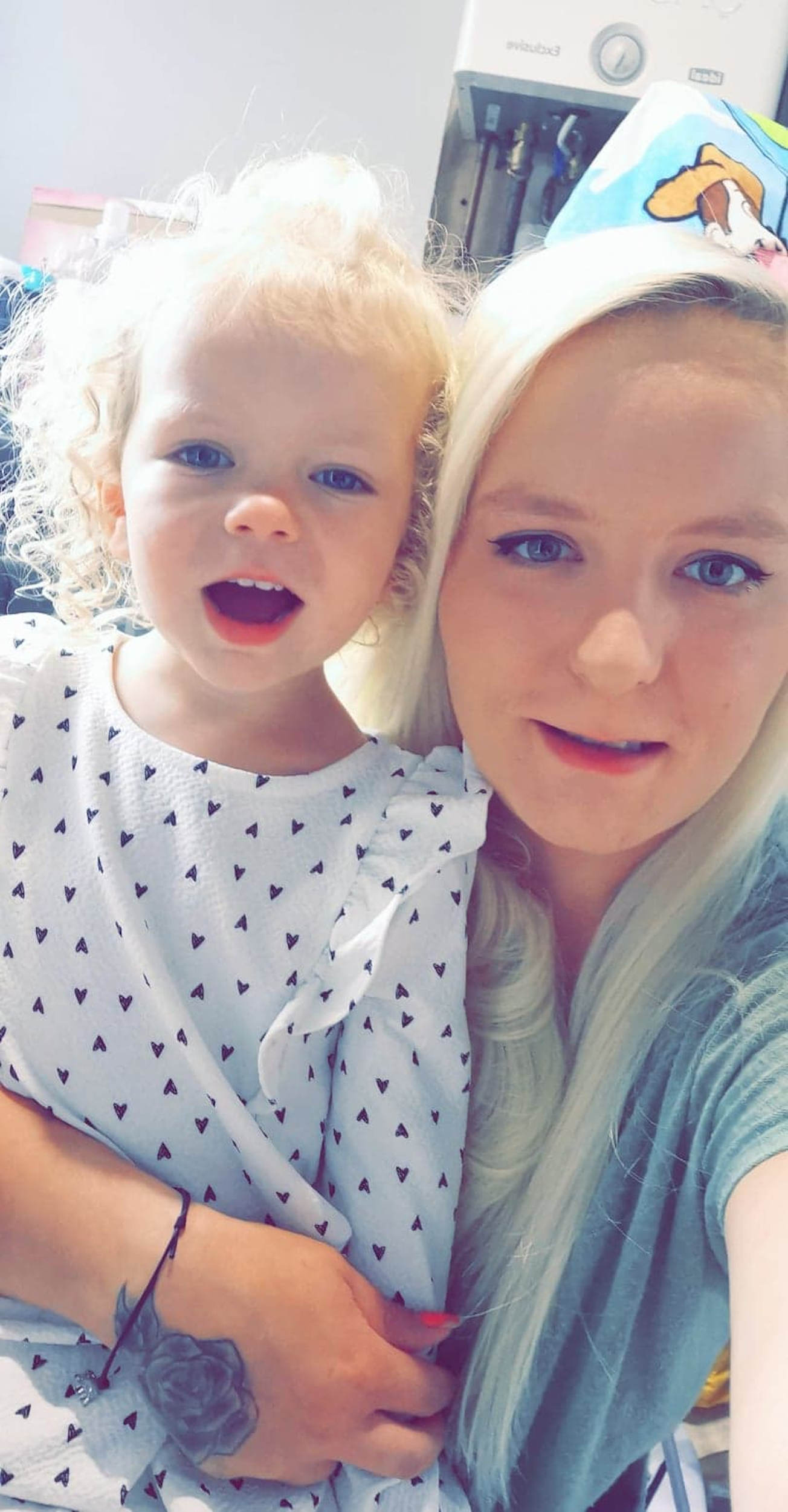 Lyla with mum Sarah-Viral News