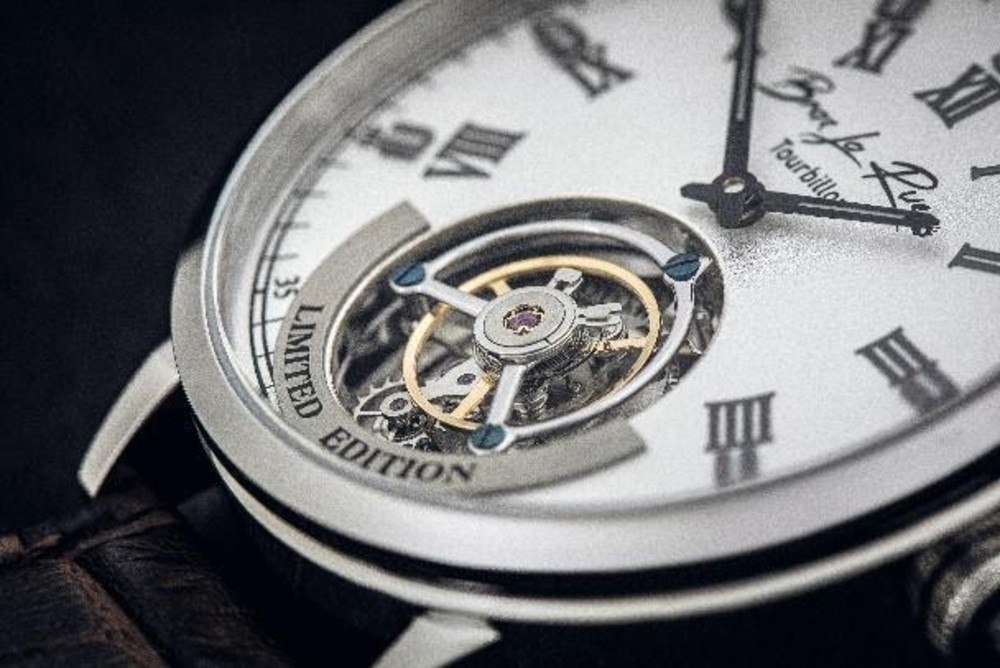 Picture of a watch by- Brax la Rue| By Deadline News- Business News