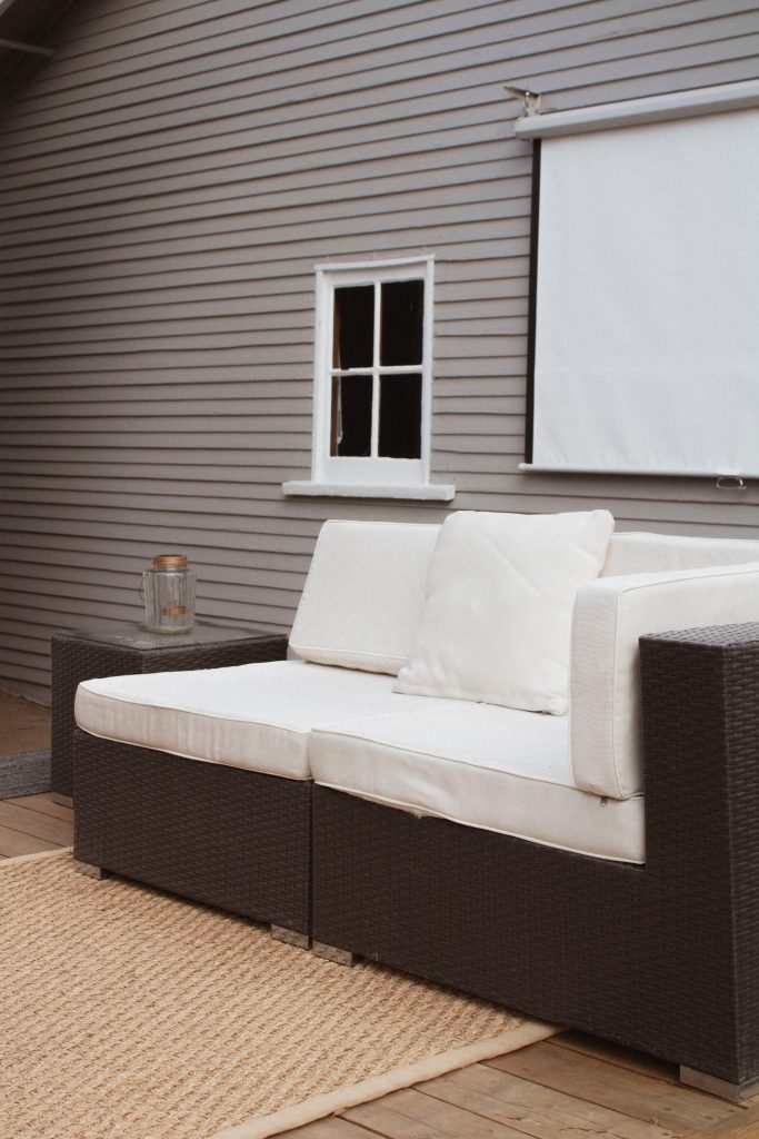 6 tips for buying a patio set