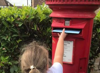 A picture of Navaeh posting her letter.-Viral News  By Deadline News- Viral News