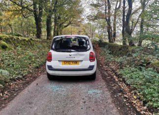 "Shocking images capture hunt sabateurs being ""assaulted"" and spat at"