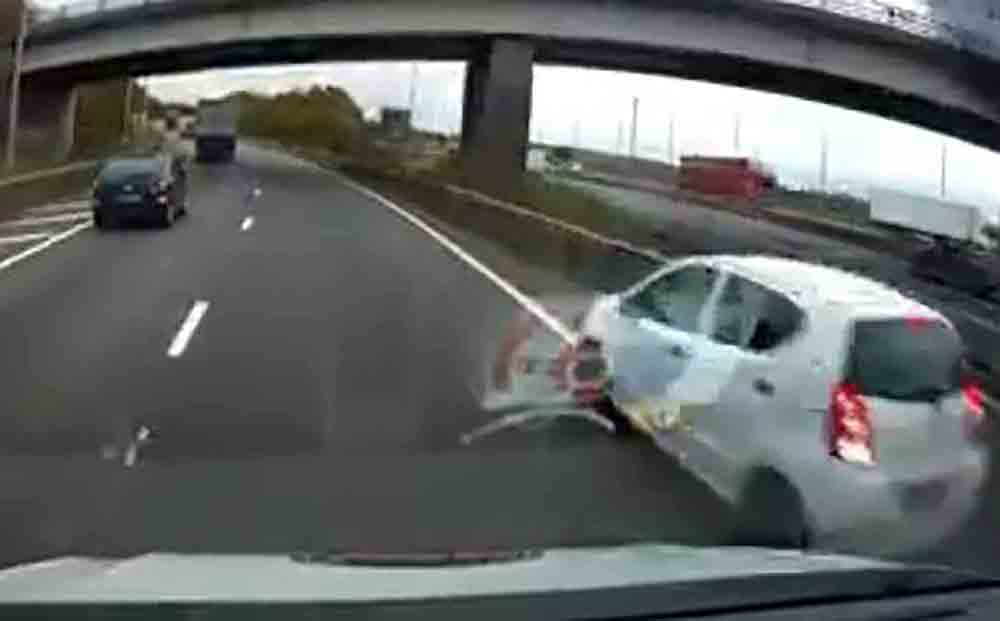 Car tries to reverse onto busy motorway -Dashcam Clips