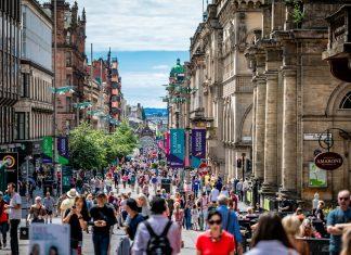 People walking in Glasgow - Research News Scotland