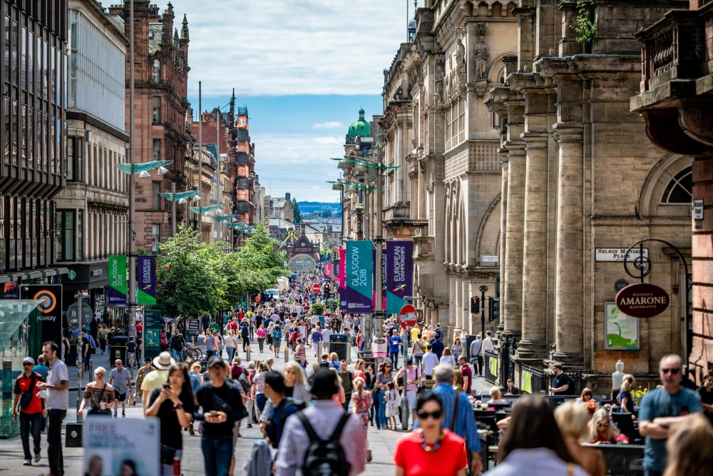 People walking in Glasgow - Research News Scotland