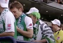 Andy McNeil receives his 2007 League Cup winners' medal | Hibs news