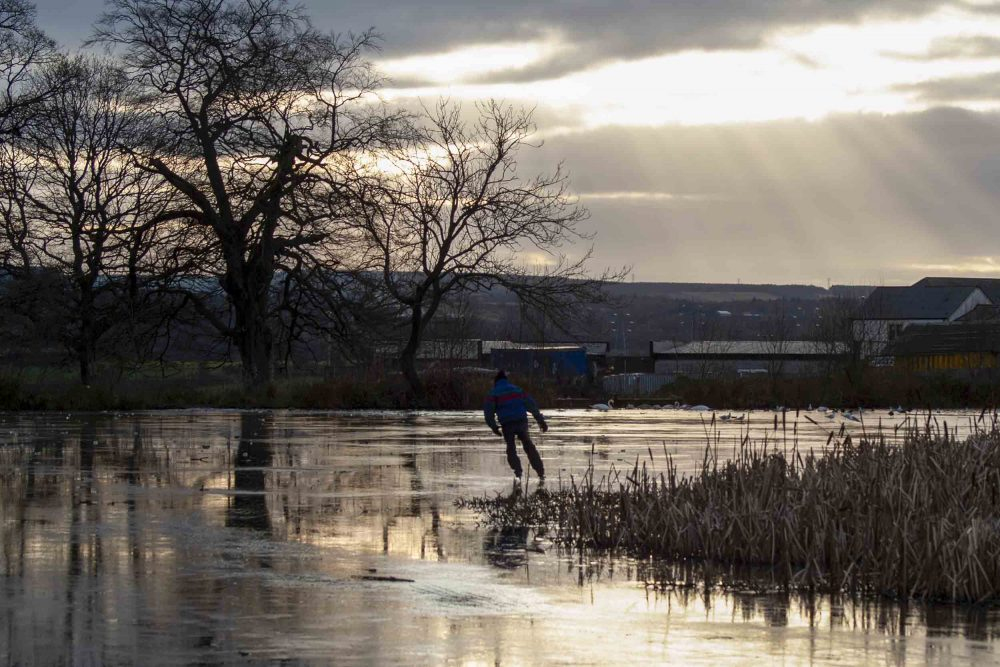Former Olympic ice skater Thomas Dawson - Viral News Scotland