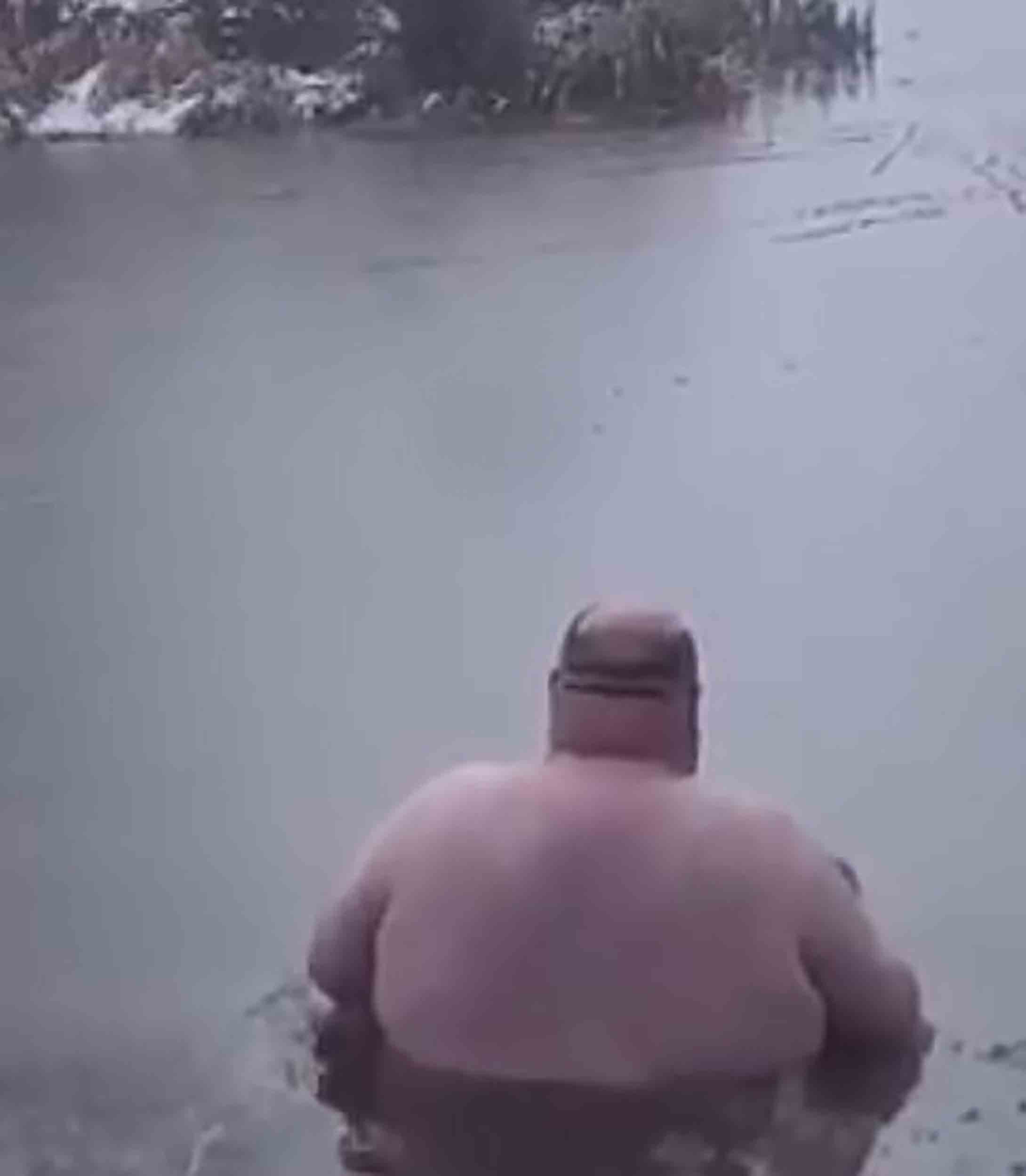 Man accepts £20 bet to wade through water and untangle fishing line - Viral Video News UK