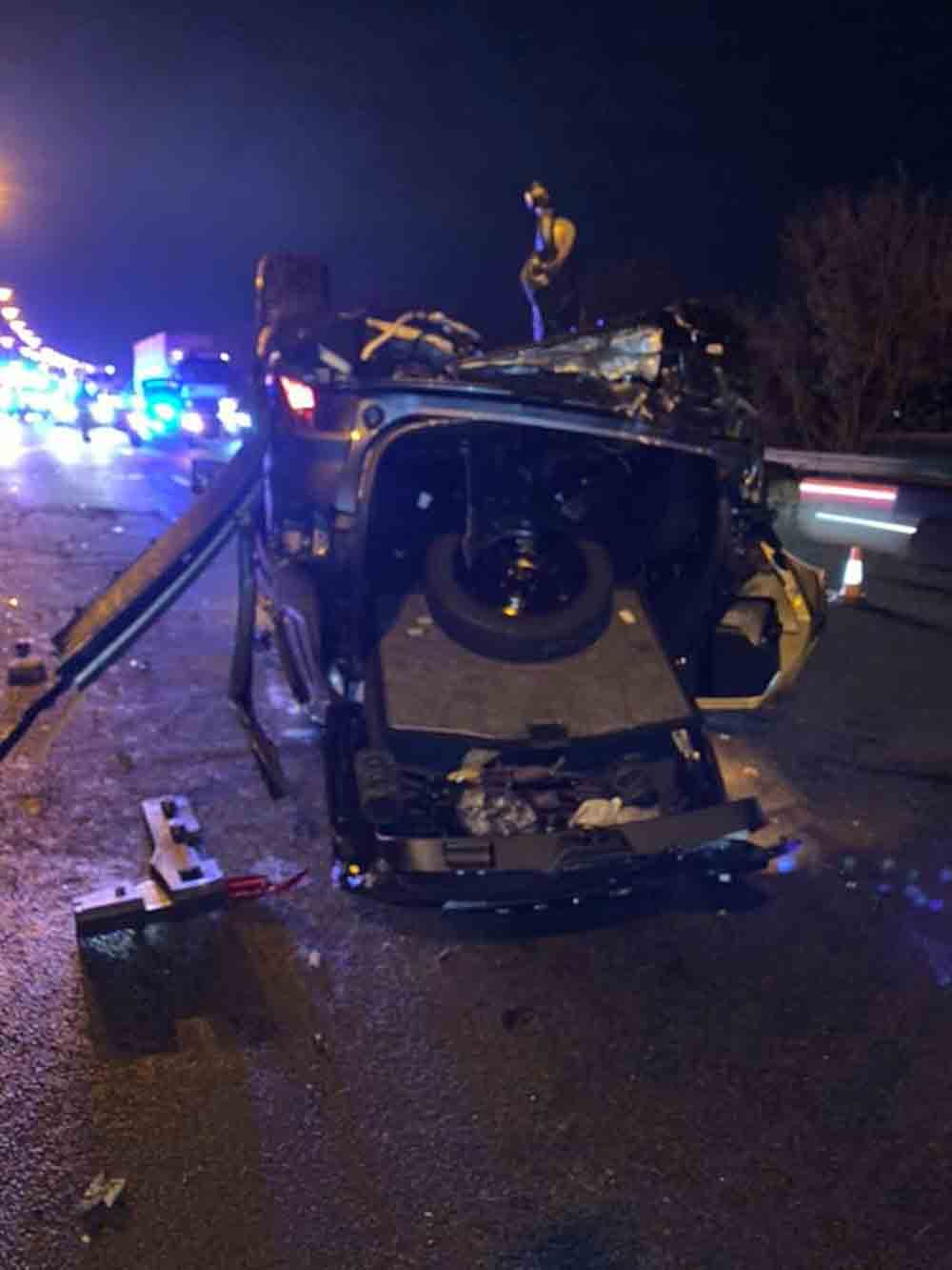 Essex Police share images of devastating crash that remarkably nobody was injured in - Travel News UK