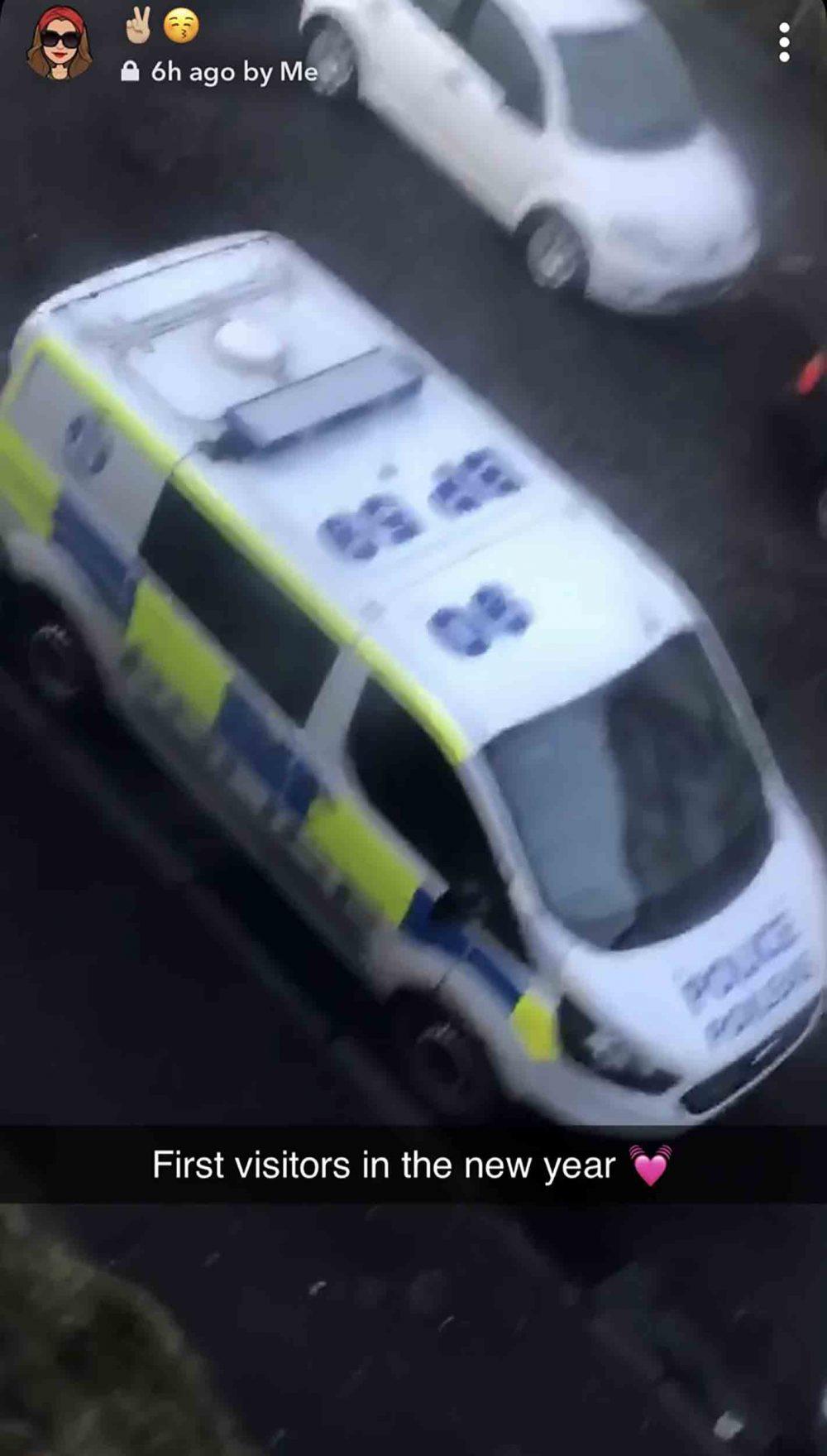 A police van outside Shannon Watson's home - Viral News Scotland