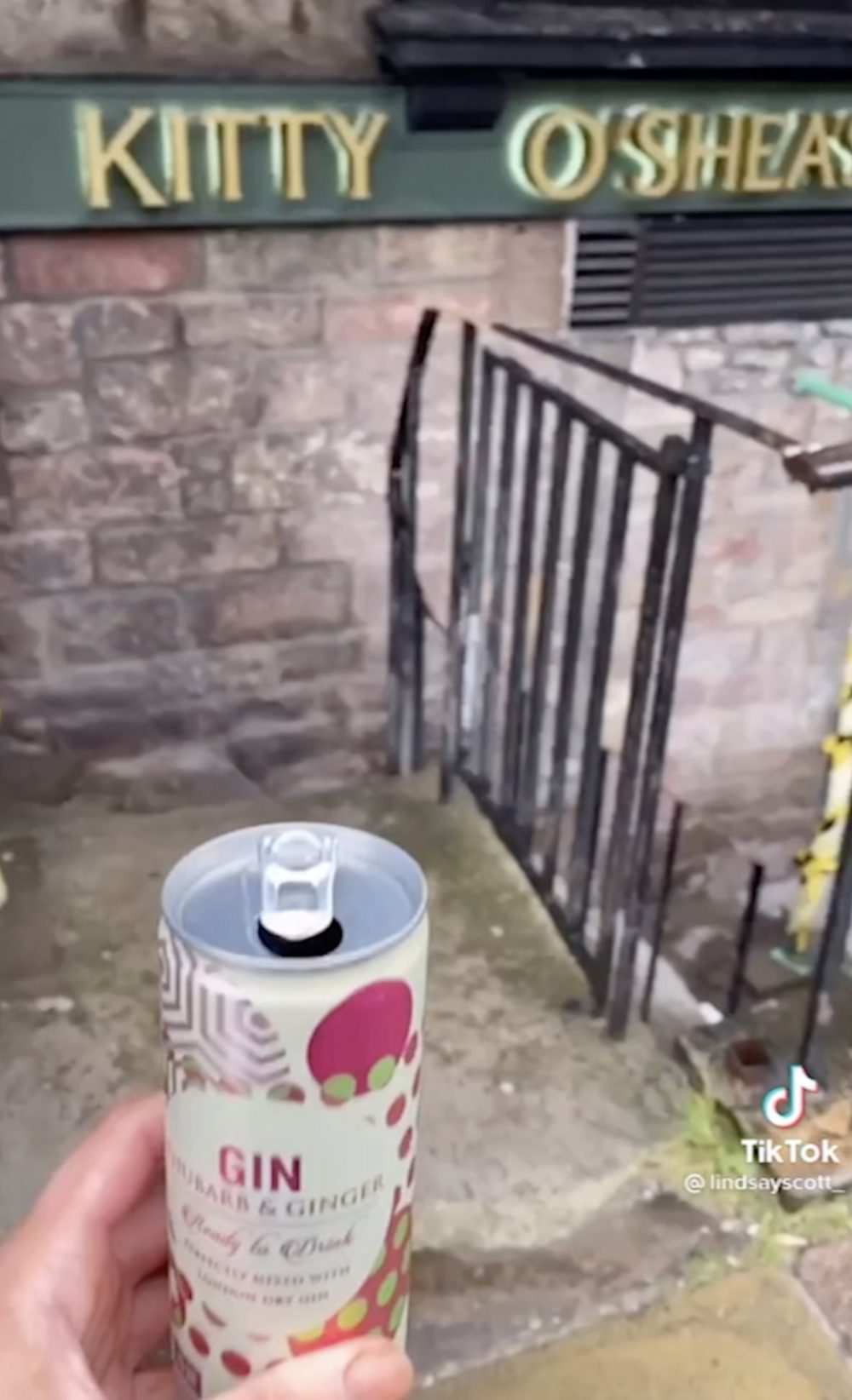 Students create TikTok tribute to favourite pubs and clubs by saluting them with drink outside their closed doors - Viral Video News Scotland