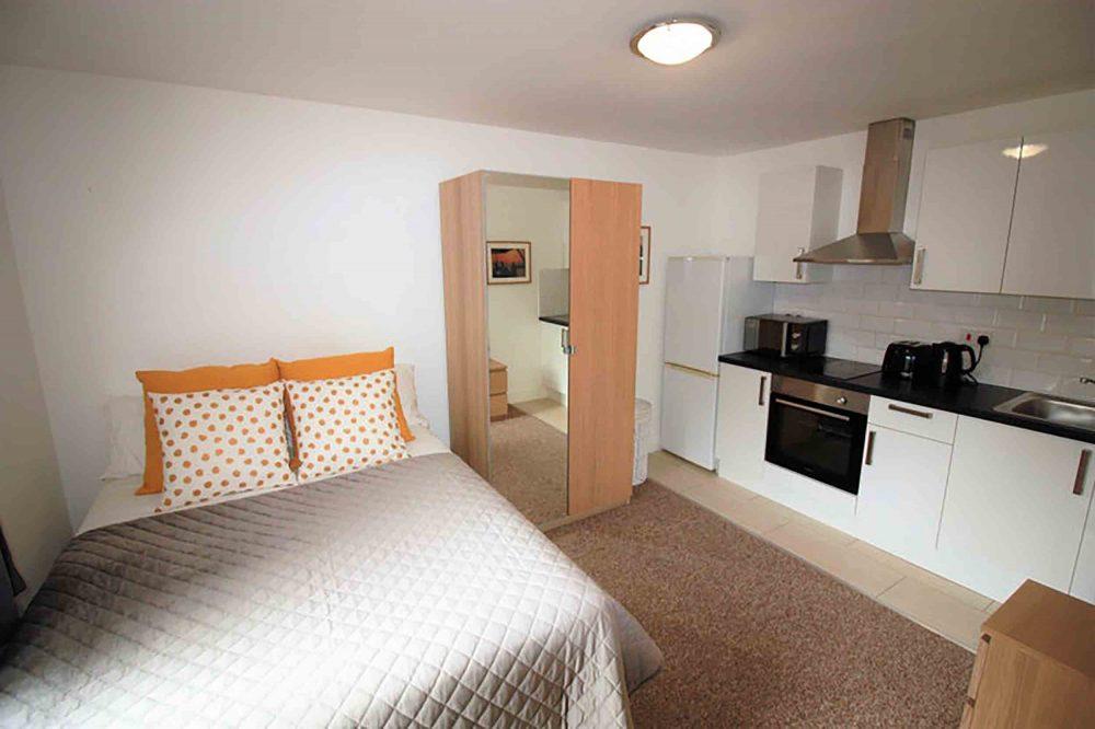 Cramped London flat | Property News UK