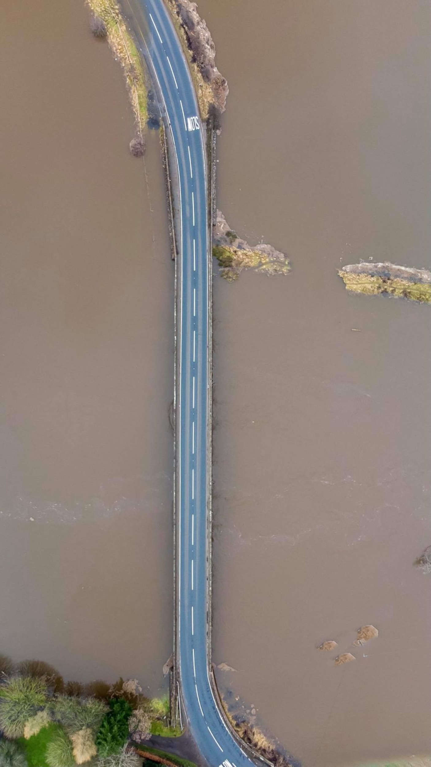 The flooded Bridge of Couttie | Scottish News