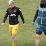 Livingston striker Scott Robinson limps off the field | Livingston news