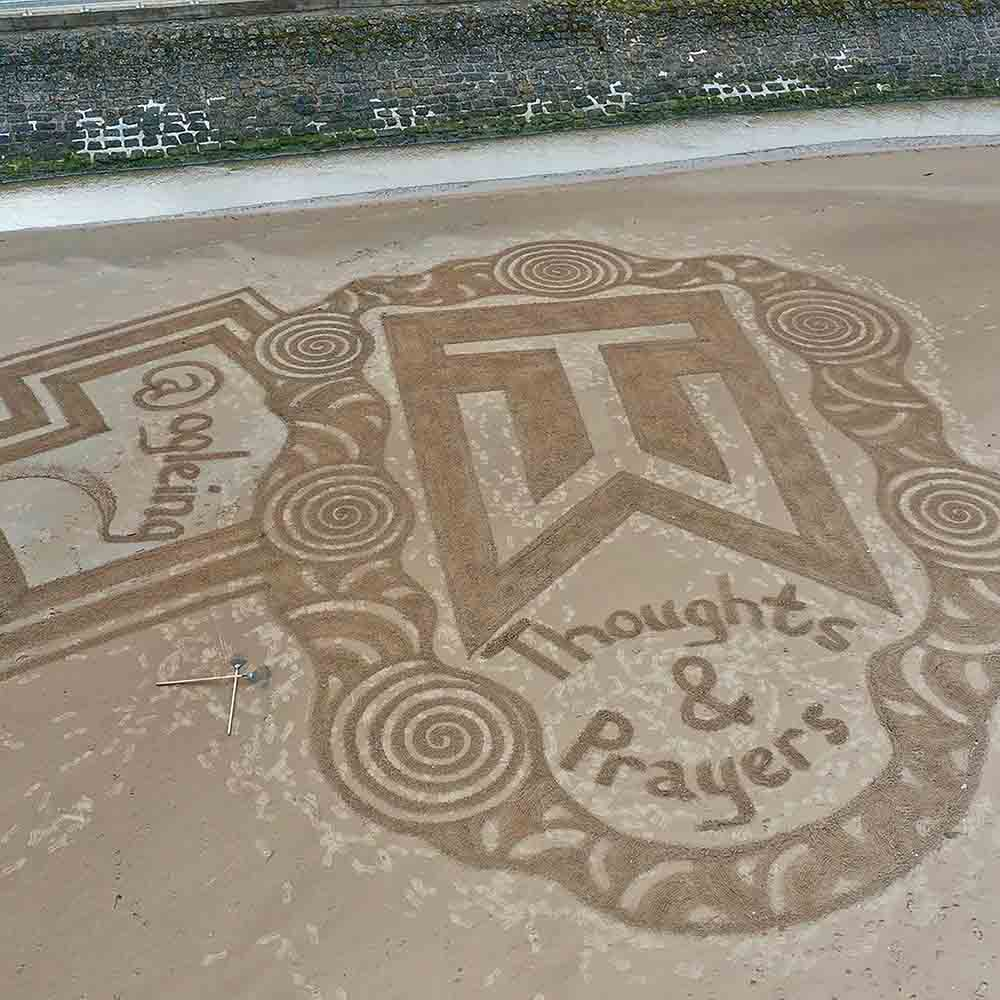 Scots artist creates tribute to Tiger Woods on St Andrews Beach - Scottish News