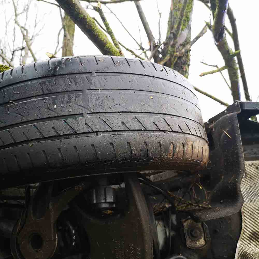 Audi driver crashes due to bald tyres on motorway - Police News UK