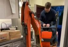 Digger inside | DIY News UK