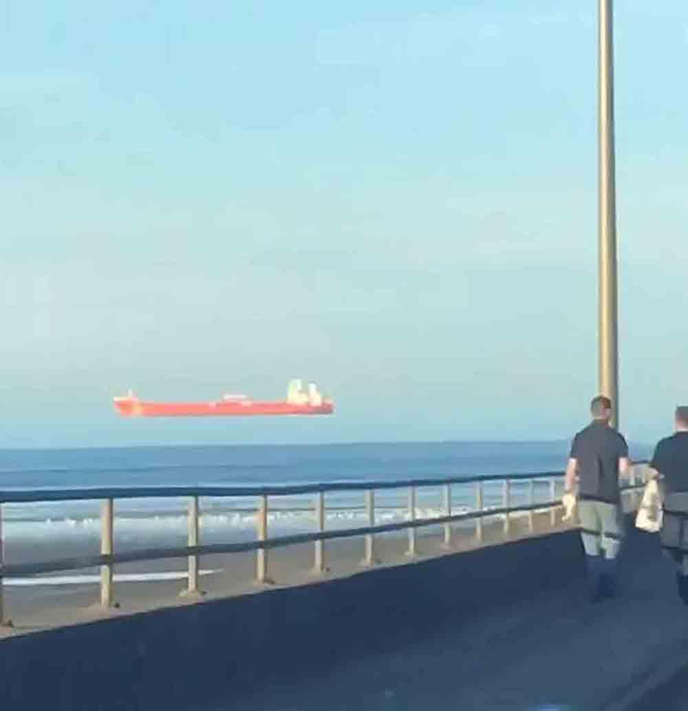 Scotsman captures floating boat illusion on camera - Scottish News