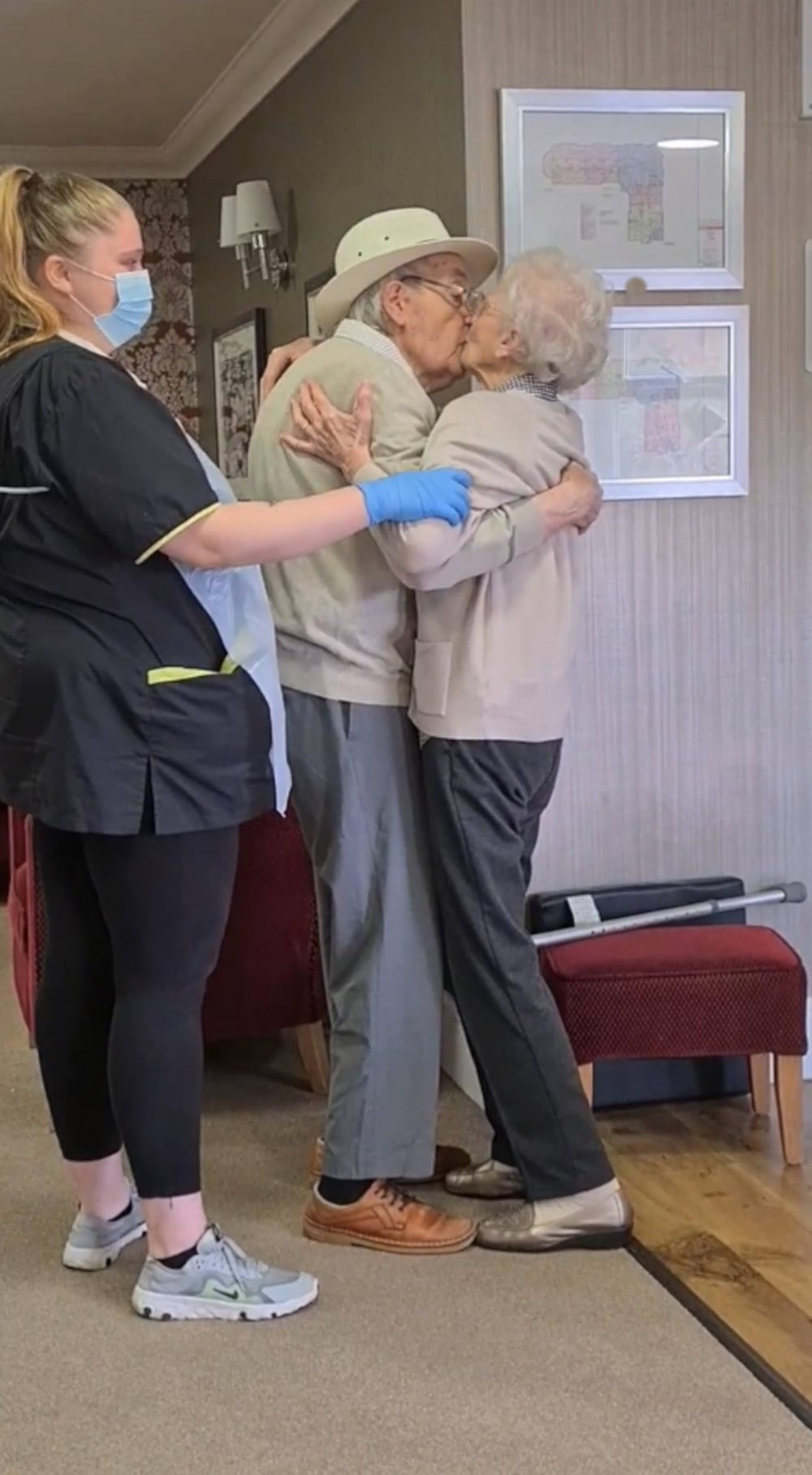 Elderly couple reunited | Viral News UK
