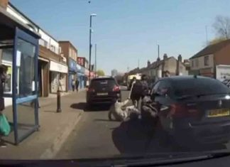 Shocking dash cam shows the moment an elderly man is pushed to the ground - Dash Cam News