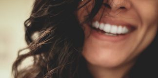 Survey shows adults are more self conscious of their smile due to the pandemic - UK News
