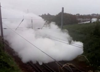 The Flying Scotsman covered in steam | Transport News UK