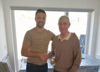 Josh Taylor and Ken Buchanan shake hands | Scottish Sports News