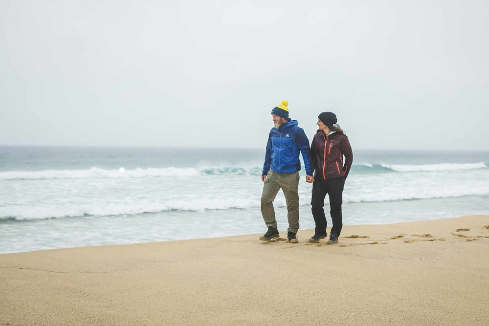 The couple walking on the Lewis beach - Scottish News