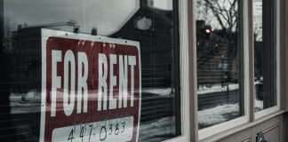 For rent sign in shop window - Scottish News