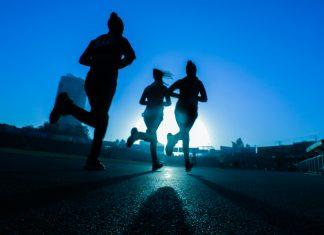 people running at night| Health News UK