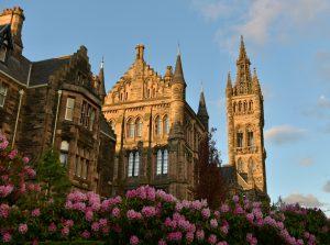The University of Glasgow on a sunny day - Scottish News