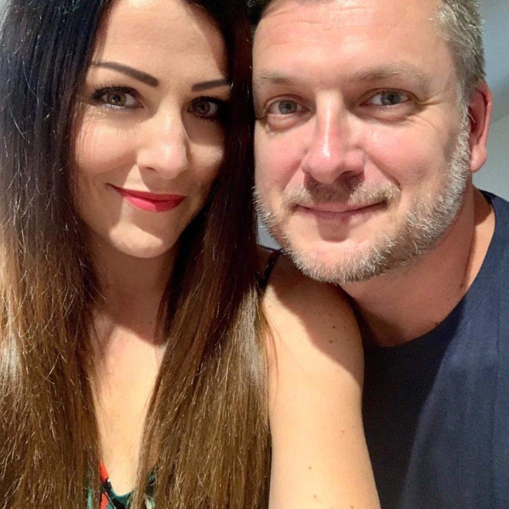 Elizabeth and her husband Neil - Travel News UK