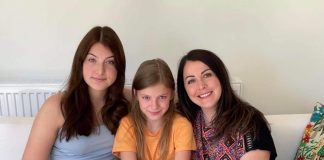 Elizabeth and her two daughters - Holiday News UK