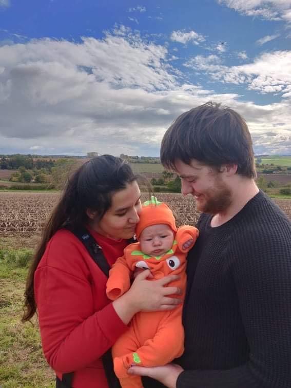 Eshar and baby - Scottish News