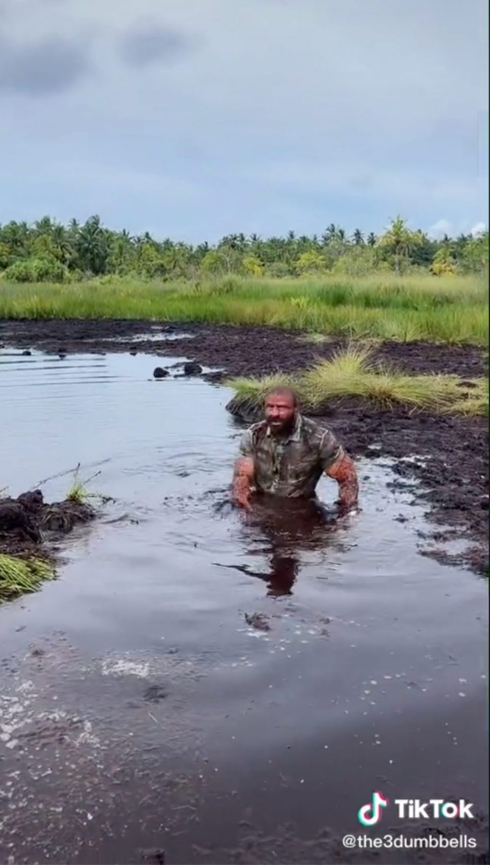 Martin in the swamp - Viral Video News