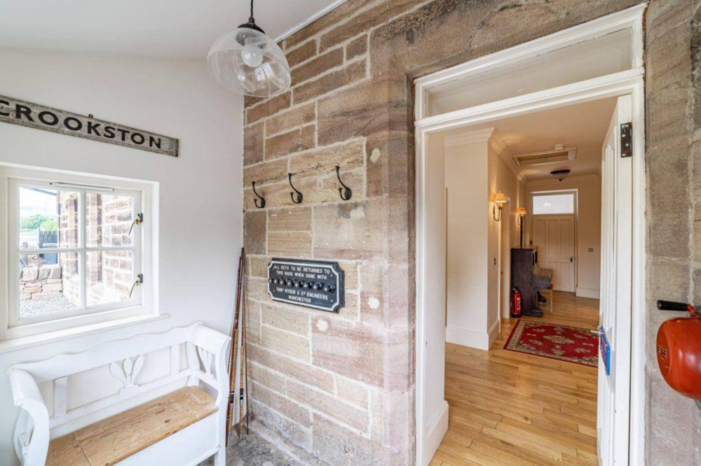 The original features inside - Property News Scotland