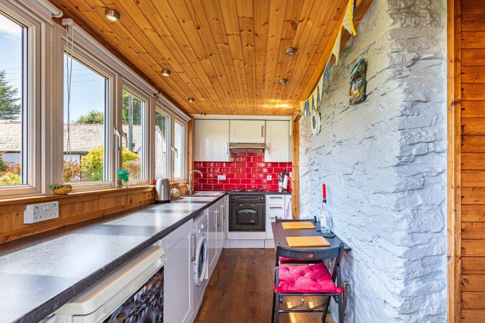 Rustic cottage kitchen - Scottish News