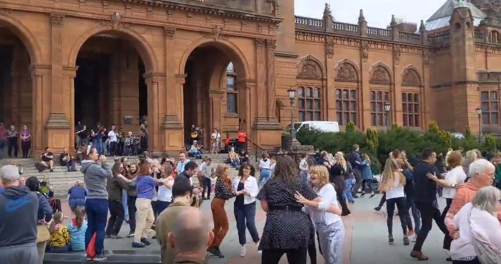The video showed the joy of Glaswegians after lockdown Entertainment News Scotland
