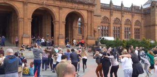 Revellers enjoyed their impromptu dance at Kelvingrove - Entertainment News Scotland