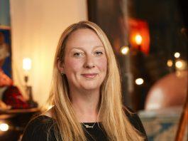 Sara Thomson received the Point of Light award - News
