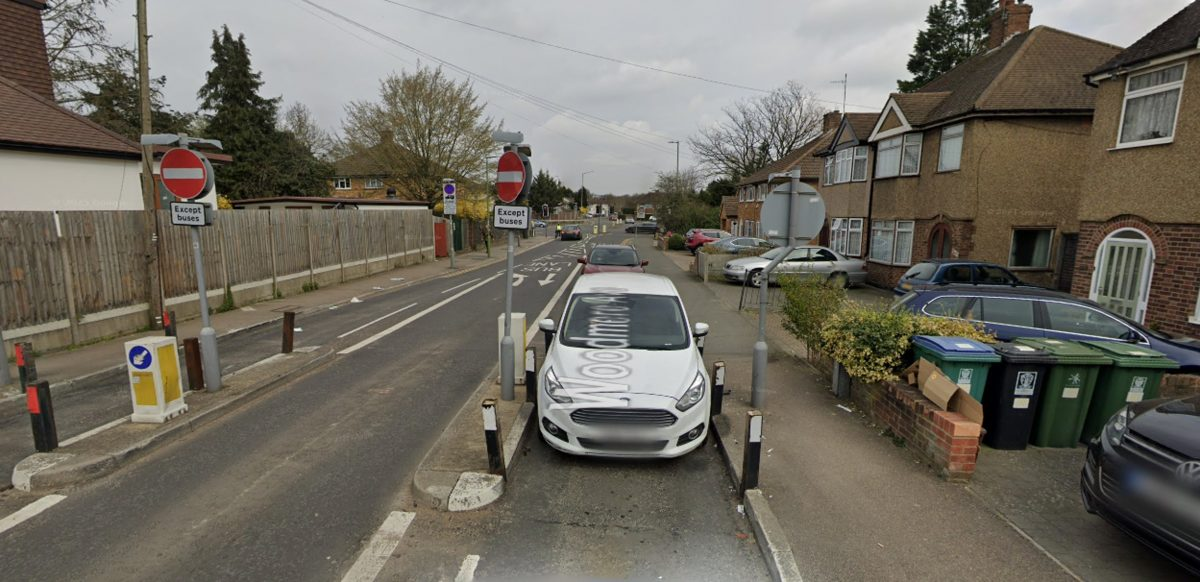 Google Maps view of the width restrictions in place on Woodmere Avenue in Watford.